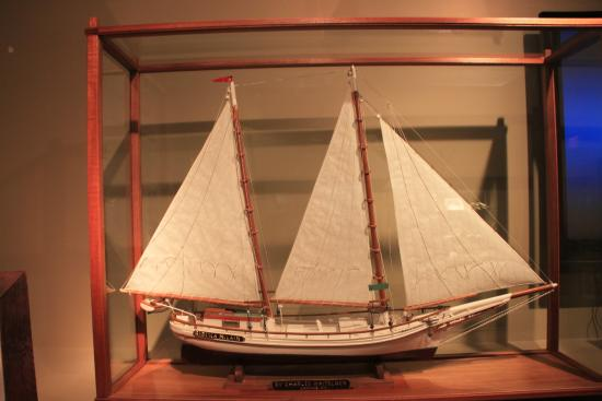 St. Clement's Island Museum: The two-masted bugeye oyster boat