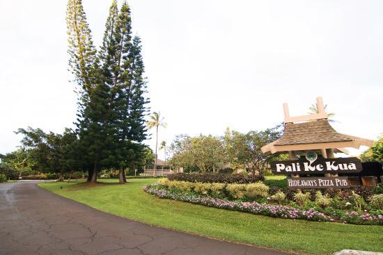 Marc at Princeville Pali Ke Kua: Entrance to Pali Ke Kua