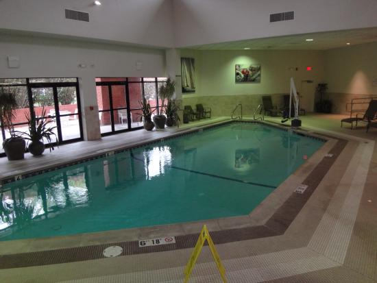 Doubletree By Hilton Hotel Boston Andover A Lift Is Also Available To Get