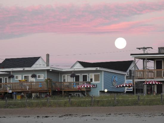 Morning after the Lunar Eclipse over the Aquarius hotel OOB