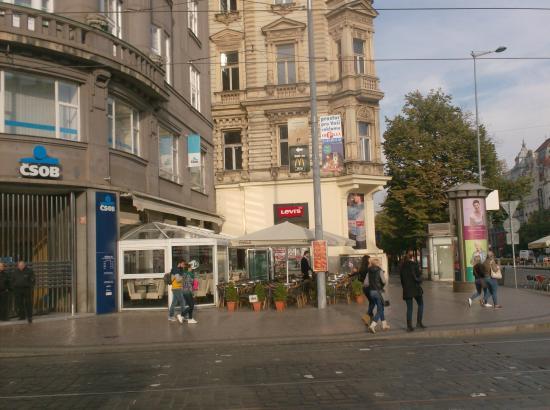 Cafe Boulevard: ......