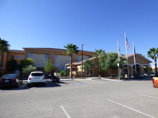 TownePlace Suites Tucson Airport: Front of Town Place Suite