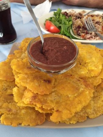 La Feria : Patroness with refried beans