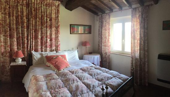 Villa Sobrano Country House: Stanza Ribes