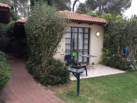 Shoresh, Izrael: מרפסת בחדר