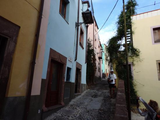 I colori delle case ristrutturate foto di centro storico for Case ristrutturate