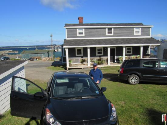 Harbourview Bed & Breakfast: In the sunny peaceful backyard