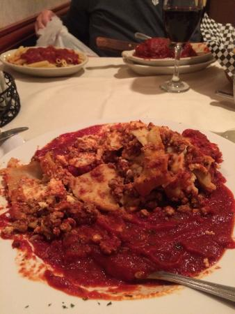 Canali's Restaurant : Lasagna with red sauce