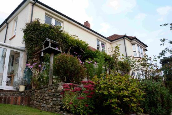 Uplyme, UK: relaxing garden
