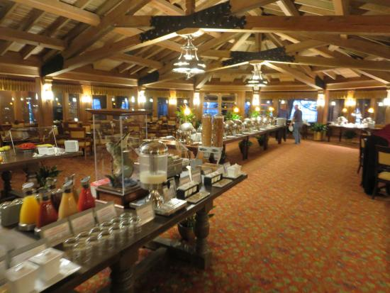 Breakfast buffet picture of grand hotel marriott resort for Actpoint salon review