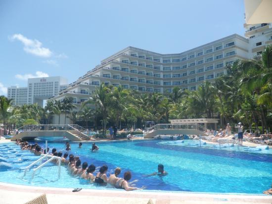 pileta picture of hotel riu caribe cancun tripadvisor. Black Bedroom Furniture Sets. Home Design Ideas