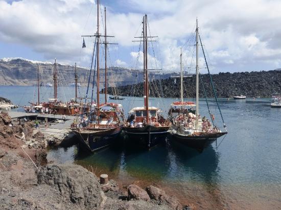 Discover Thirassia Tour: Thirassia port