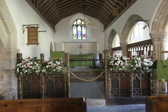 Trebetherick, UK: Interior St Endedoc Church