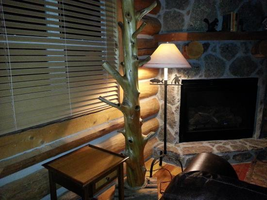 Red Setter Inn and Cottages at Greer Lodge Resort: inside view