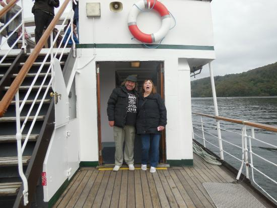 Bowness-on-Windermere, UK: Having a laugh aboard 'Swan'.