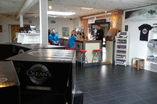 Dingle Brewery Company: Small bar area