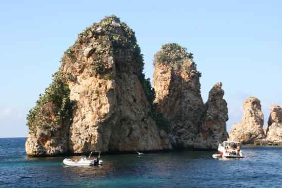 Spiaggia dei Faraglioni: fafaglioni