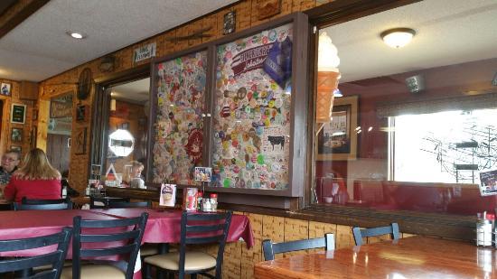 Molly's Cafe & Silver Lake Motel