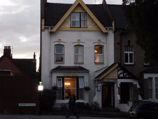 White Lodge Hotel : Portone d'ingresso
