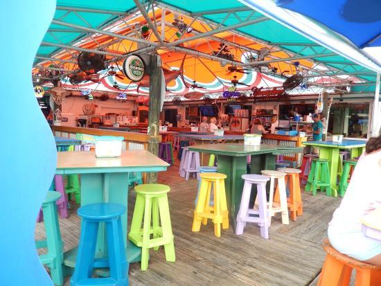 Inlet Harbor Restaurant, Marina & Gift Shop : Ambiente alegre