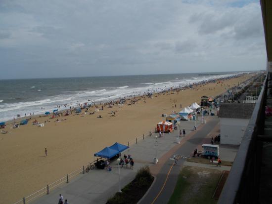 Days Inn Virginia Beach Oceanfront: View from room