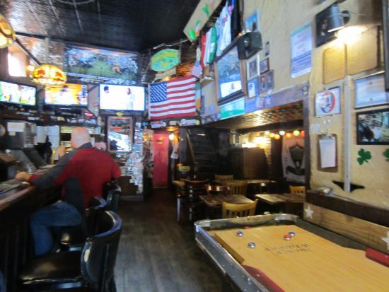 Nancy Whiskey Pub: View behind the bar