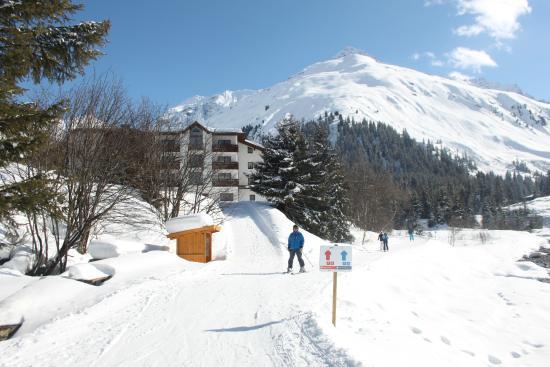 Gletscherblick: ... abfahren und langlaufen bis zum Hotel