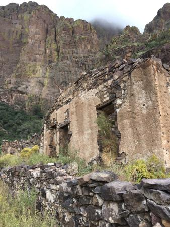 Las Cruces, NM: Wonderful 1.5 mile hike to the ruins and falls.  It was a magical day and definitely worth the e