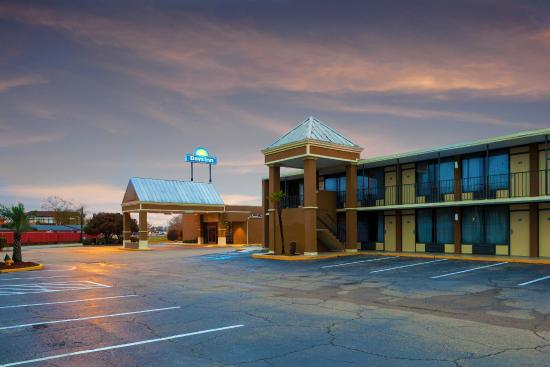 Photo of Days Inn Lafayette/University