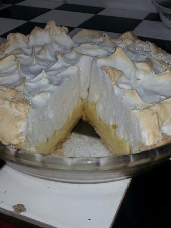 แคเมอรูน, เท็กซัส: Just a few of the different desserts that is made by Sissy