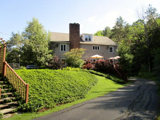 Berkshire Hills Country Inn: view from the side