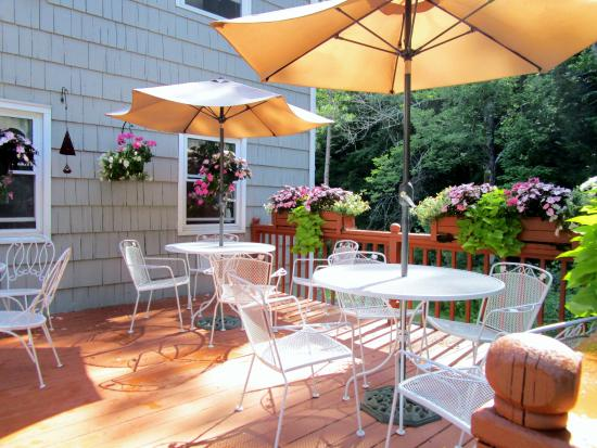 Williamstown, MA: the breakfast patio - there is also a nice indoor dining area if the weather is bad