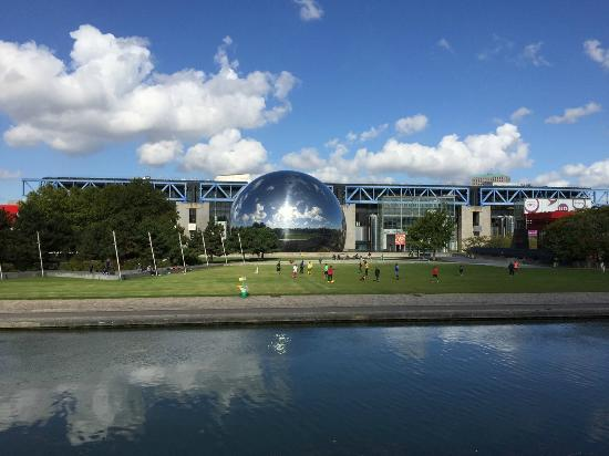 Parc de la villete foto parc de la villette paris for Foto villette