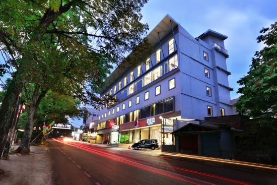 Hotel Neo Dipatiukur