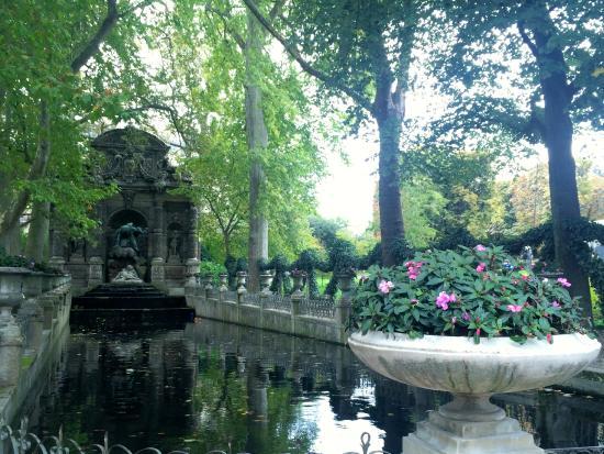 ปารีส, ฝรั่งเศส: Fonte - Jardim de Luxemburgo