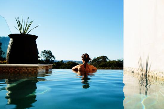 Gaia Retreat & Spa: Komala Villa infinity plunge pool
