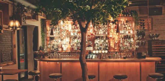 F6 Cocktail bar & Lounge