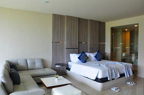 Karon Hill Hotel & Residence