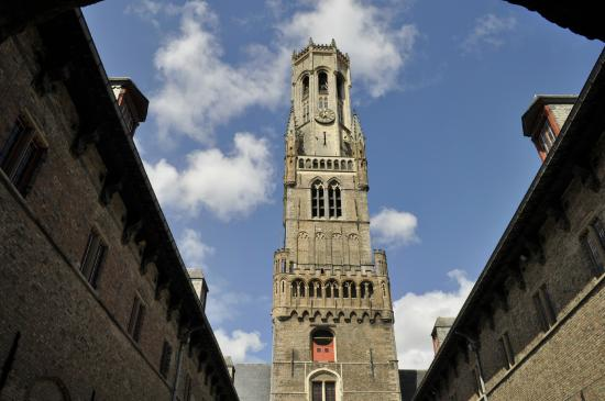 Belfry (Belfort) e Market Halls (Hallen)