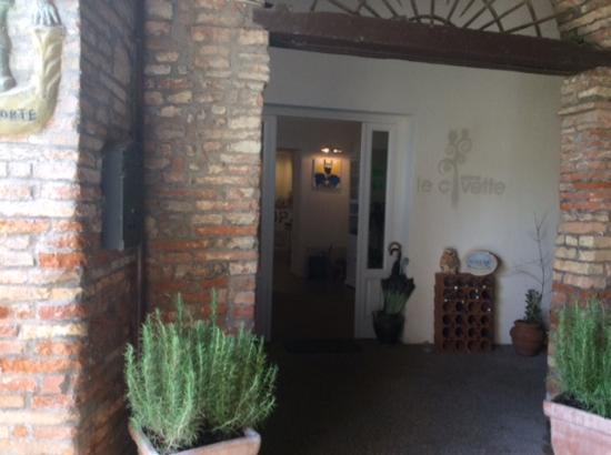 Citerna, Włochy: Ingresso dai acamminamenti al ristorante