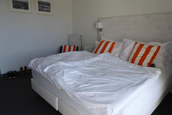 Avenue Beach Hotel: Bed in kamer