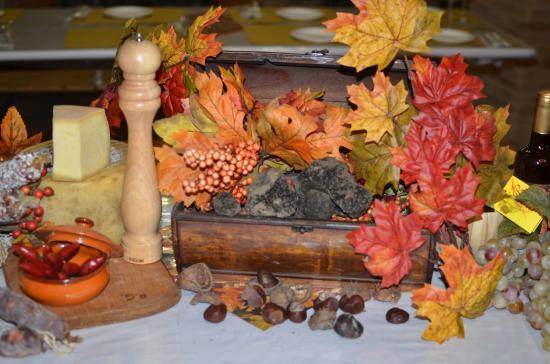 I prodotti genuini impiegati in cucina, tra tutti spiccano i tartufi di Sant'Angelo in Vado