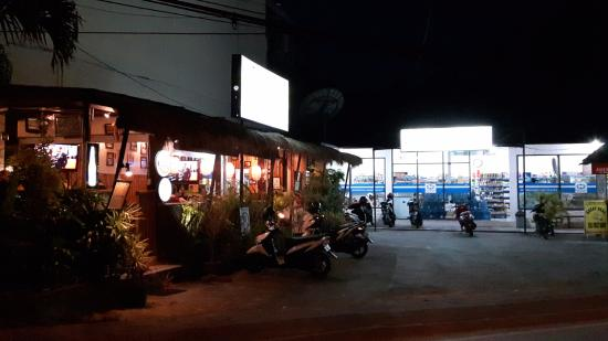Nirwana Snack: The restaurant