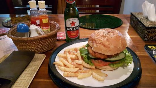 Nirwana Snack: Yummy Veggie Burger