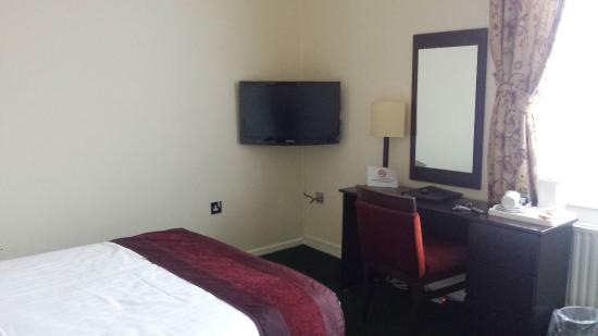 The Ashburn Hotel: Room 9
