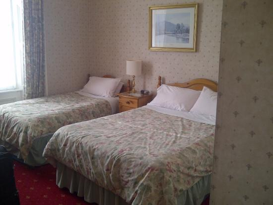 Arrandale Guest House : Double bed and single bed