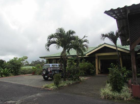 Hotel Sueno Dorado & Hot Springs: área externa