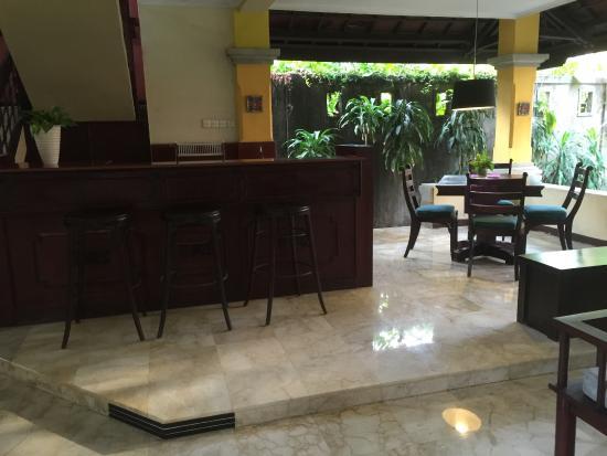 Royal Tunjung Bali Hotel & Spa: Lower floor of one bed Villa