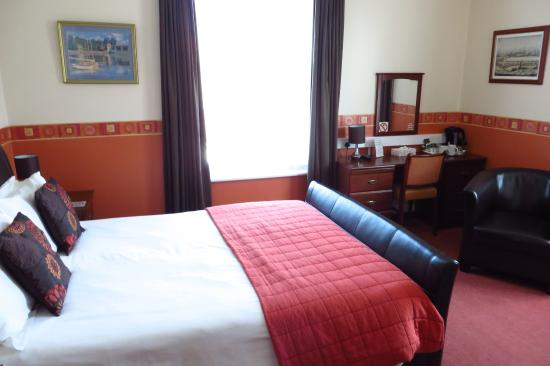 The Edwardian Lodge Guest House: The King Room