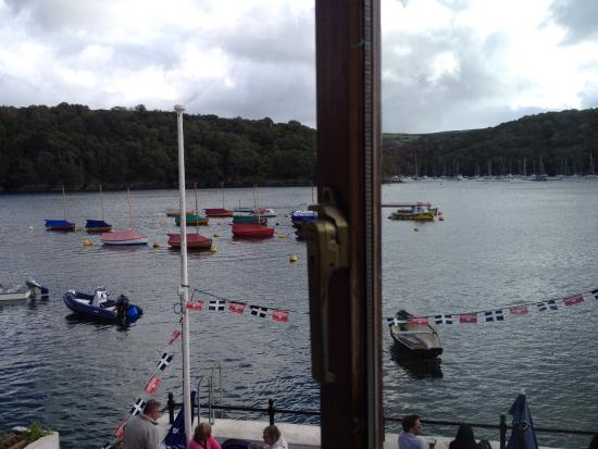 The Galleon Inn: View from bedroom window great location comfortable very friendly and helpful staff good food an